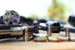 Pistol och kula Arkivfoton