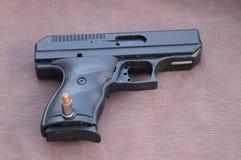 pistola de 9m m Imagen de archivo libre de regalías