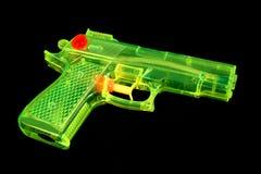 Pistola de agua fluorescente imágenes de archivo libres de regalías