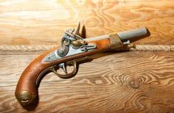 Pistola de madeira retro fotos de stock