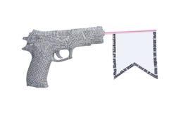 Pistola del giornale con la bandierina isolata su bianco Fotografie Stock Libere da Diritti