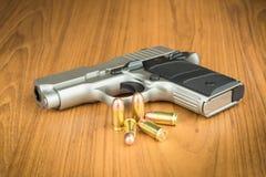 pistola della mano da 380 millimetri Fotografie Stock Libere da Diritti