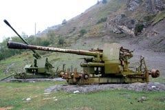 Pistola della montagna per l'eliminazione delle valanghe Fotografia Stock Libera da Diritti