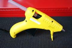 Pistola di colla Immagini Stock