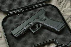 Pistola 9mm, serie dell'arma della pistola, rivoltella della polizia fotografie stock