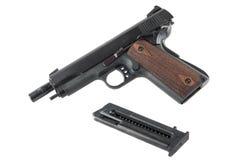 Pistola semiautomática con la diapositiva atormentada Imagenes de archivo