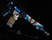Pistola su ordinazione AR15 con il tubo piegante HDR dell'amplificatore Immagini Stock