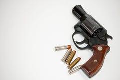 Pistola y balas Imagen de archivo libre de regalías