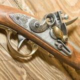 pistole减速火箭的木头 免版税库存图片
