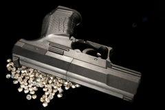 Pistole & diamanti fotografie stock libere da diritti