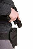 Pistolet ciągnący od holster obraz stock