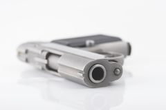 Pistolet compact - profondeur de zone Photographie stock libre de droits