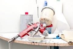 Pistolet de pulvérisation d'aerographe ou de peinture pour les voitures de peinture Photo stock