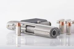 Pistolet et remboursements in fine Photos libres de droits