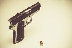 Pistolet i Bullte Zdjęcia Royalty Free