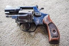 Pistolet i krew zdjęcie royalty free