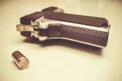 Pistolet i pocisk Zdjęcia Royalty Free
