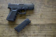 pistolet kaliber 9 mm, obrazy royalty free