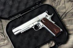 Pistolet 11mm, série d'arme d'arme à feu, plan rapproché de pistolet de police image stock