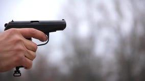 Pistolet noir banque de vidéos