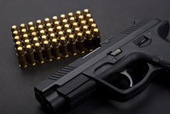 Pistolet z ładownicami Obrazy Royalty Free