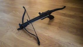 Pistoletowego chwyta ręki Crossbow zdjęcie royalty free
