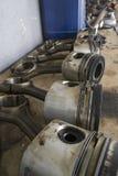 Pistons de véhicule à moteur - pièces de voiture photos stock