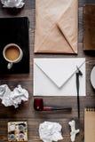 Pisze biuro w pisarskim pojęciu na biurka tła odgórnym widoku Fotografia Royalty Free