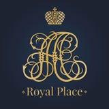 Pisze list A monograma królewskiego loga Zdjęcie Stock