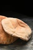 Pita Bread en pizarra Fotografía de archivo libre de regalías