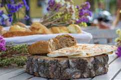 Pita chleb na drewnianej desce Zdjęcie Stock