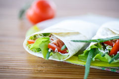 Pitabroodje met sla en groenten Royalty-vrije Stock Fotografie