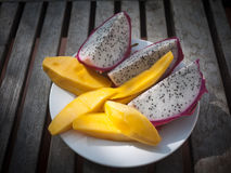 Pitaya con il mango Fotografia Stock Libera da Diritti