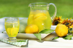 Pitcher of cool lemonade Royalty Free Stock Photos