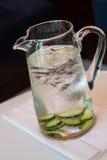 Pitcher Wasser Lizenzfreies Stockfoto