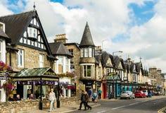 Pitlochryhoofdstraat in Schotland Stock Foto