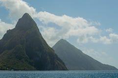 Pitons i morze w St LuciaPetit, Gros morze w St i Pitons i Zdjęcie Stock
