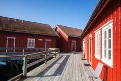 Pittoresk fiskeport i Henningsvaer på Lofoten öar Royaltyfri Bild