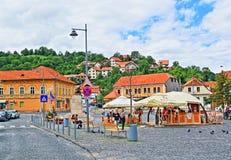Pittoresk fyrkantig siktsBrasov stad Rumänien Royaltyfria Bilder
