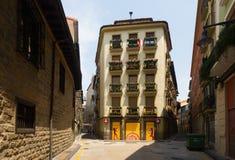 Pittoresk husibgata av den europeiska staden pamplona spain Arkivbild
