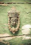 Pittoresk italiensk stad Atri - dörr, hus, dörr Arkivfoton