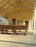 Pittoresk järnvägsstation royaltyfria bilder