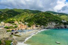 Pittoresk seascape av Cinque Terre National Park, Monterosso A Royaltyfri Foto