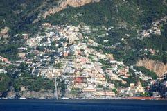Pittoresk sikt av byn Positano, Italien Royaltyfria Bilder