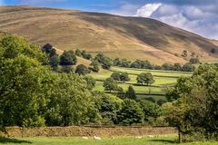 Pittoresk sikt på kullarna nära Edale, maximal områdesnationalpark, Derbyshire, England, UK royaltyfri fotografi
