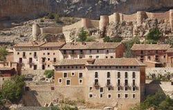 Pittoresk stad i Spanien Hus och forntida fästning Albarrac Arkivbild