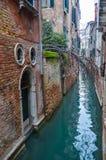 Pittoreska kanaler i Venedig Arkivbild