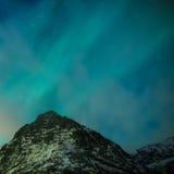 Pittoreska unika nordliga ljus Aurora Borealis Over Lofoten Arkivfoto