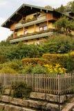 Pittoreskt alpint hus Berchtesgaden germany Royaltyfri Bild