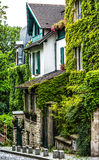 Pittoresque house  in Montmartre, Paris Royalty Free Stock Photos